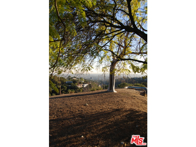 3210 DERONDA Drive Los Angeles, CA 90068 - MLS #: 15920805