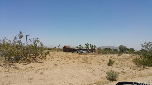56720 Handley Road Yucca Valley, CA 92284 - MLS #: OC17109187